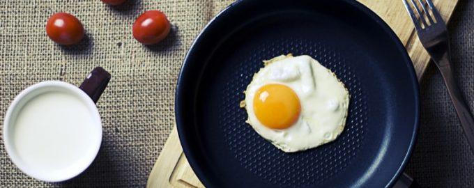 як смажити яєчню