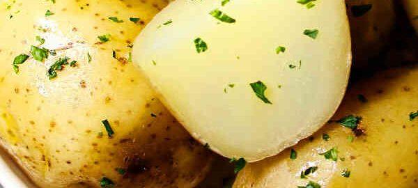 як варити картоплю в мундирах