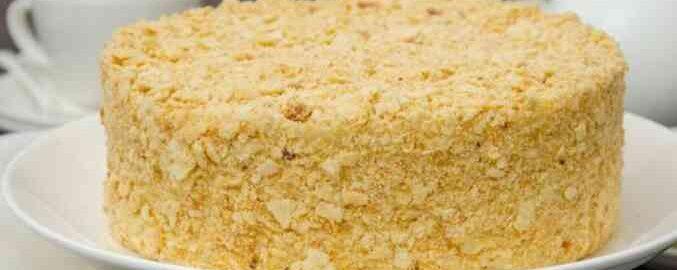 Торт «Наполеон» на сковороді з заварним кремом