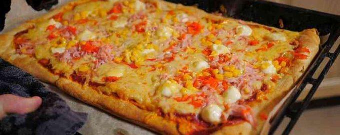 Піца з хрусткою скоринкою