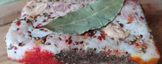Як засолити сало в розсолі