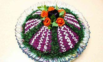 Буряковий салат Монгольська гірка