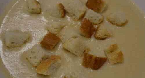 цибулевий суп-пюре з плавленим сиром