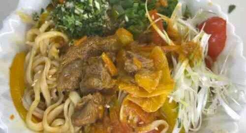 лагман з яловичини з селерою і капустою