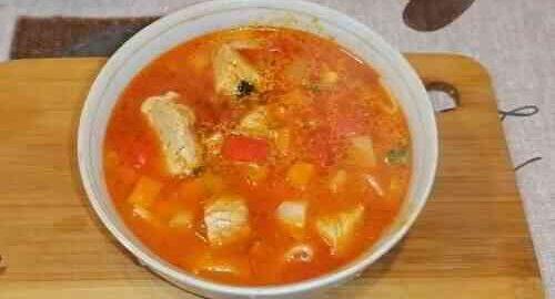 суп лагман зі свинини з овочами і локшиною