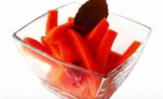маринована морква зі спеціями
