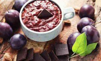 Шоколадне варення зі сливи на зиму