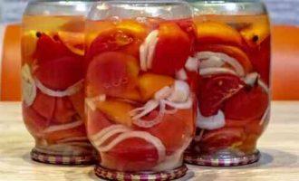салат з помідорів в желе