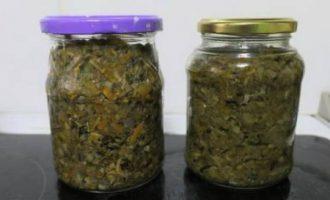 ікра з лісових грибів з морквою і цибулею на зиму