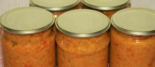 Кабачкова ікра на зиму з майонезом, томатною пастою, морквою і цибулею