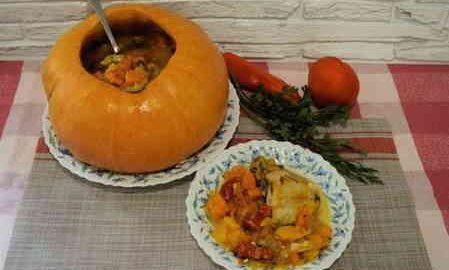 Гарбуз цілий з начинкою з м'яса і овочів