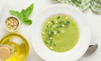 Як приготувати смачний крем-суп з брокколі і кабачків