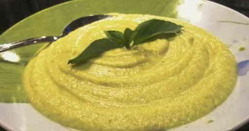 Крем-суп з брокколі і цвітної капусти